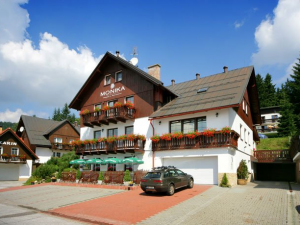 Pension Monika - Hotels, Pensionen | hportal.de