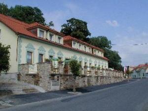 Hotel Boucek - Hotels, Pensionen | hportal.de