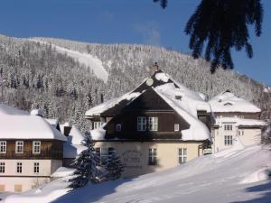 Hotel Domovina - Hotels, Pensionen | hportal.de