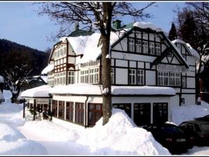 Hotel Villa Hubertus - Hotels, Pensionen   hportal.de