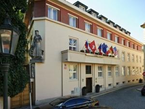 Hotel Kampa Garden - Hotels, Pensionen | hportal.de