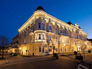 Kurhotel Savoy - Hotels, Pensionen | hportal.de