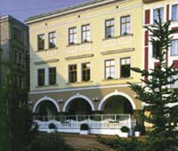 Grand Luxury Hotel