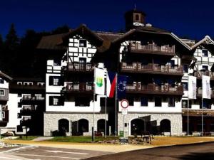 Hotel Savoy - Hotels, Pensionen   hportal.de